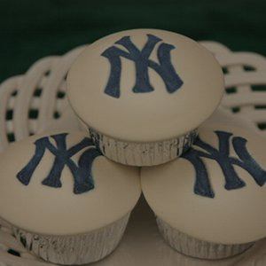 new york yankees cupcakes